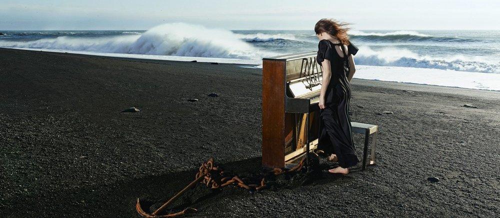 Tinna Þorsteinsdóttir performer