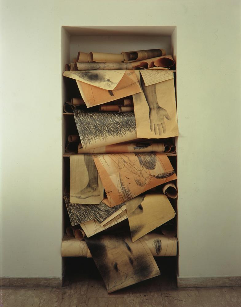 Installazione, 2002  Le stanze dell'arte (particolare)  Tullio Pironti, Piazza Dante, Napoli
