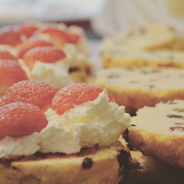 Go on and treat yourself...it is #Friday after all! #homemade #strawberry and #clottedcream #scones #food #peterborough #baking