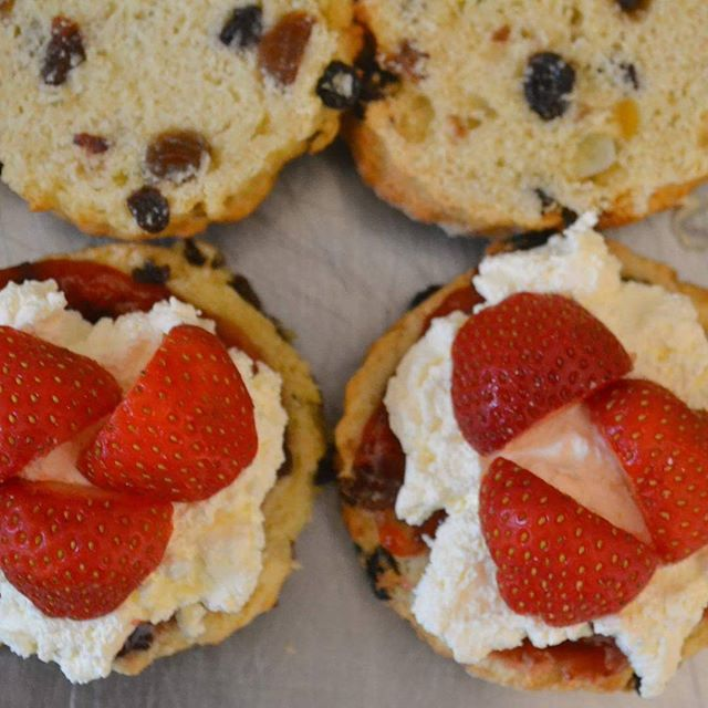 #NoFilterNeeded We know how to celebrate #Fridays! #Homemade #Scones #Cream #Strawberries #Baking #Catering #Peterborough #ToGood #Food
