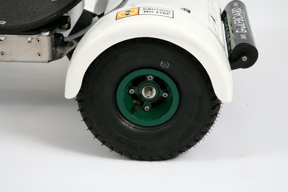 Powder-coated/scratch resistant 11 inch wheels with durable Kenda tires