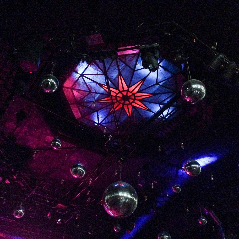 The ceiling in Hamburg was insaaane!