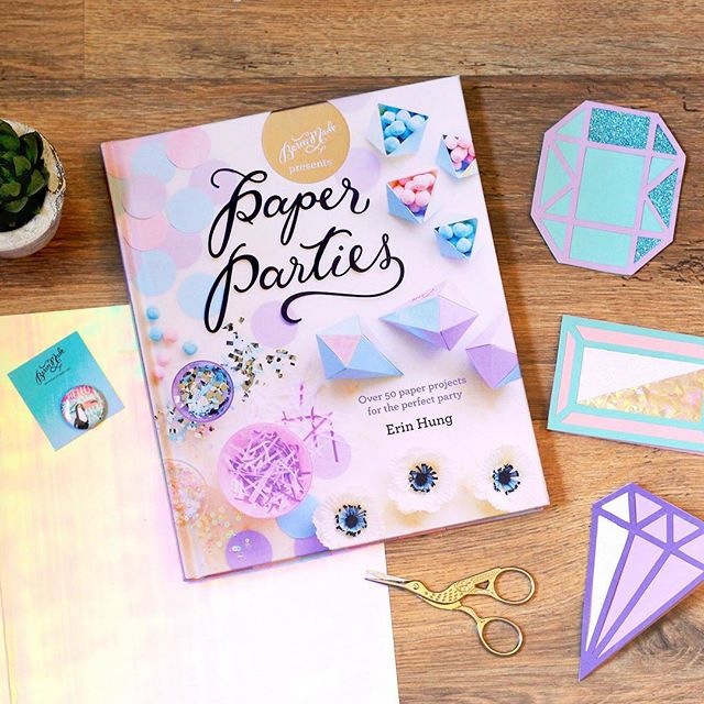 Throwback to last Sunday's #crafternoon, courtesy of @pavilionbooks, where we got to make some pretty snazzy gem cards with the help of @berinmade & her brilliant new book #PaperParties 💎✂️
