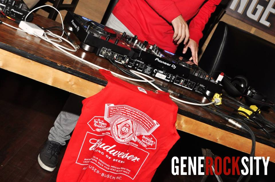 GENEROCKSITY PRESENTS: MIXES FOR MEALS @ THE BULL & BARREL (10/16)