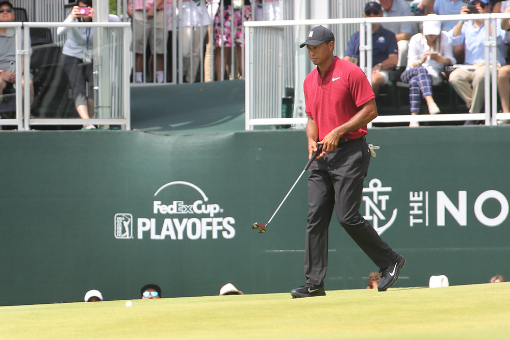 tiger puting northerntrust18.jpg