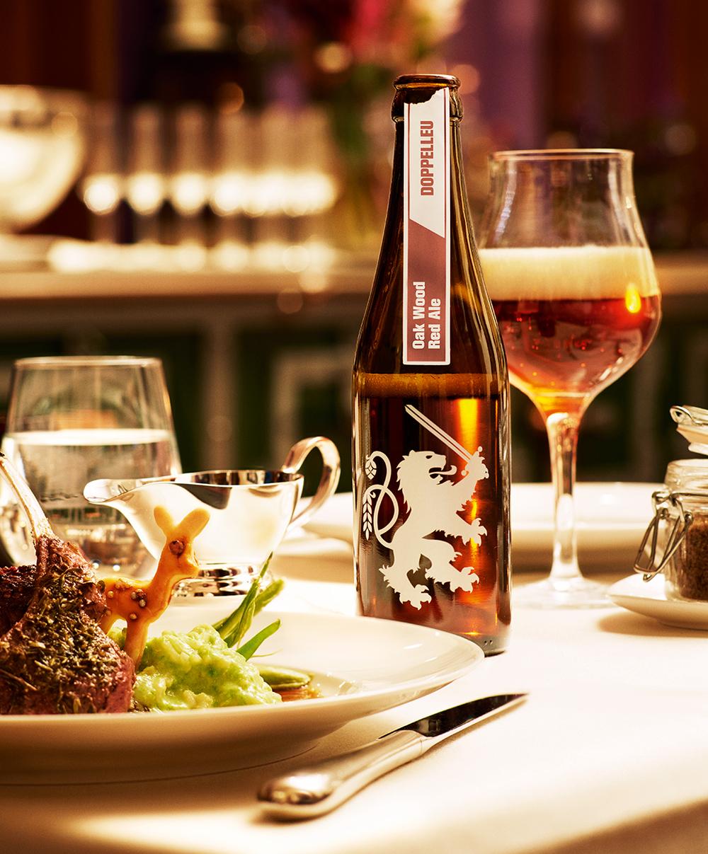 Doppelleu_Sixpack_Oak Wood Red Ale.jpg