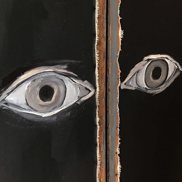 Working on a screen for a TV cabinet. Thoughts are to paint random eyes all over screen...this may end up being scrapped🤓...but good to be painting again!  #painting #acrylicart #tvcabinet #original #angiecarrierart #carriercollective #vintagescreen #eyes #interiors #interiordetail