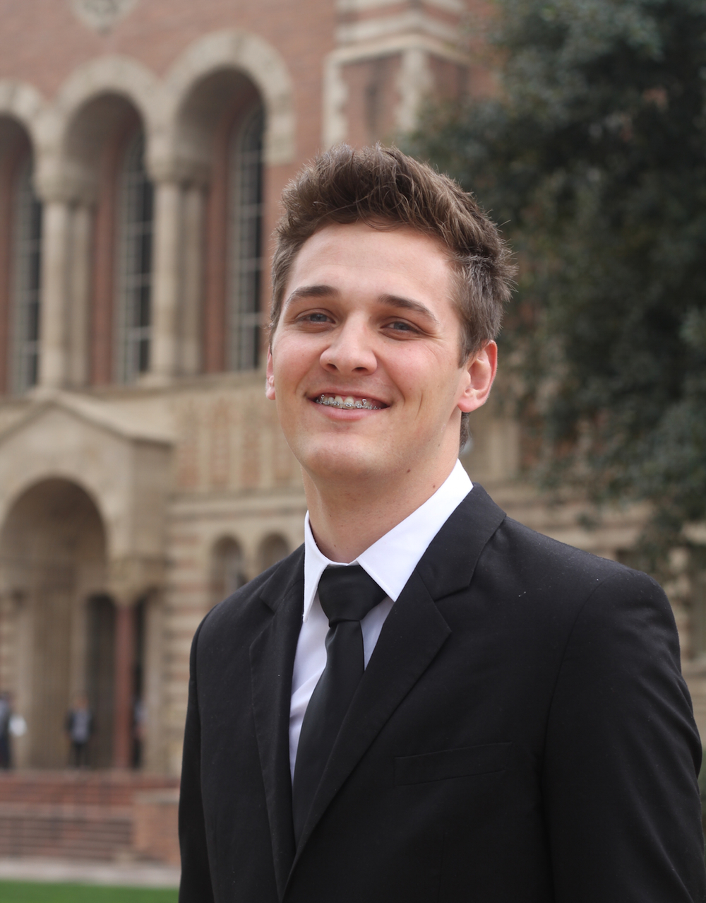 Tony Calavitta - President   English, B.S. | 2016 Pi Class Email : president@uclaphide.org