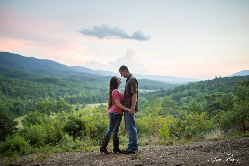 mountainengagement-annabowserphotography-virginiaengagementphotographer-62.jpg