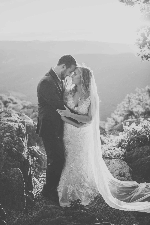 virginia-elopement-photographer-anna-bowser-photography-b-w-5.jpg