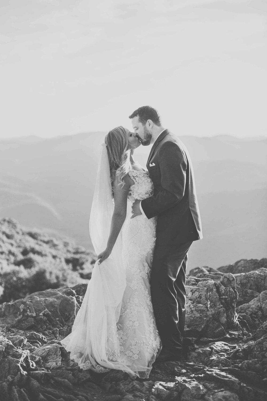 virginia-elopement-photographer-anna-bowser-photography-b-w-4.jpg
