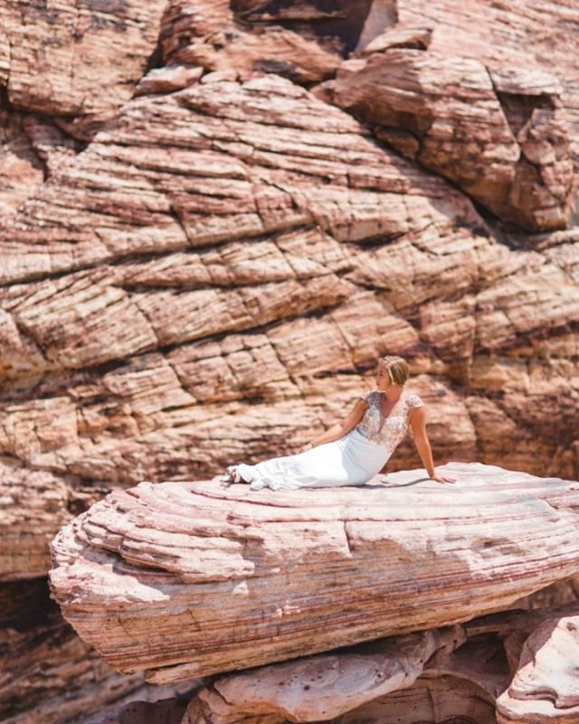 Calming my wedding jitters by listening to some of my favorite tunes & reminiscing through my southwest pictures... I never realized how much I would fall in love with these red & dry mountains but I'm missing them so much right now! Current mood is Nobody Knows by The Lumineers.
