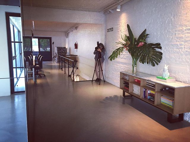 Shooting day con @jackierios 📷📷📷 #officedesign #officesnapshots #wherepeoplework