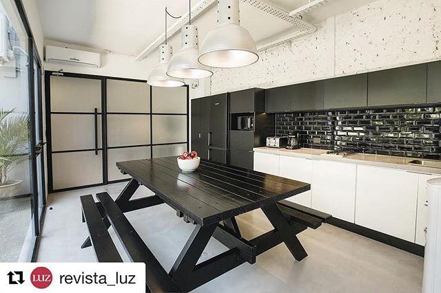 En revista Luz de hoy, nota oficinas @lacomunidadba !!! fotos por @jackierios 📸