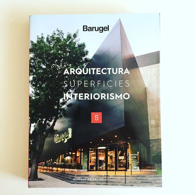 Gracias! @barugel_oficial & @eugenio_valentini por la publicación en el libro ARQUITECTURA SUPERFICIES INTERIORISMO de las oficinas @lacomunidadba