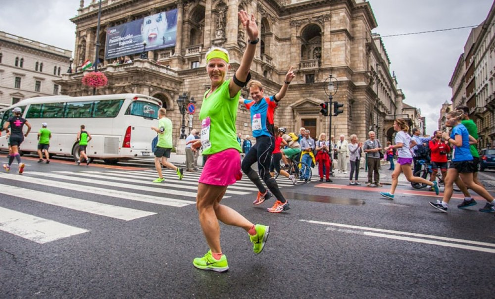 This year Action Against Hunger will be supported by our students participating in the Budapest Marathon