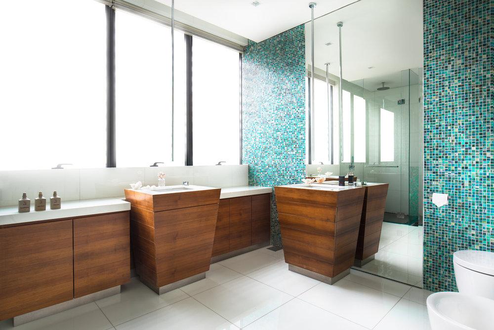 Toilet-V1.jpg