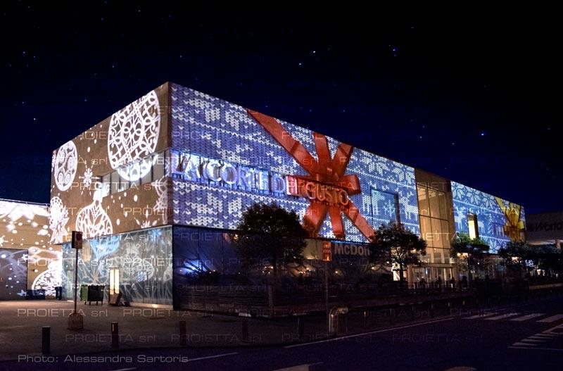 christmas_projection_big_mall.jpg