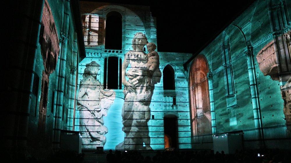 Divina Bellezza presso il Duomo Nuovo di Siena 08 jpg.jpg