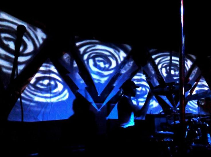 d37298028237c5f0767cc6d2dcea336a--party-at-projection-mapping.jpg