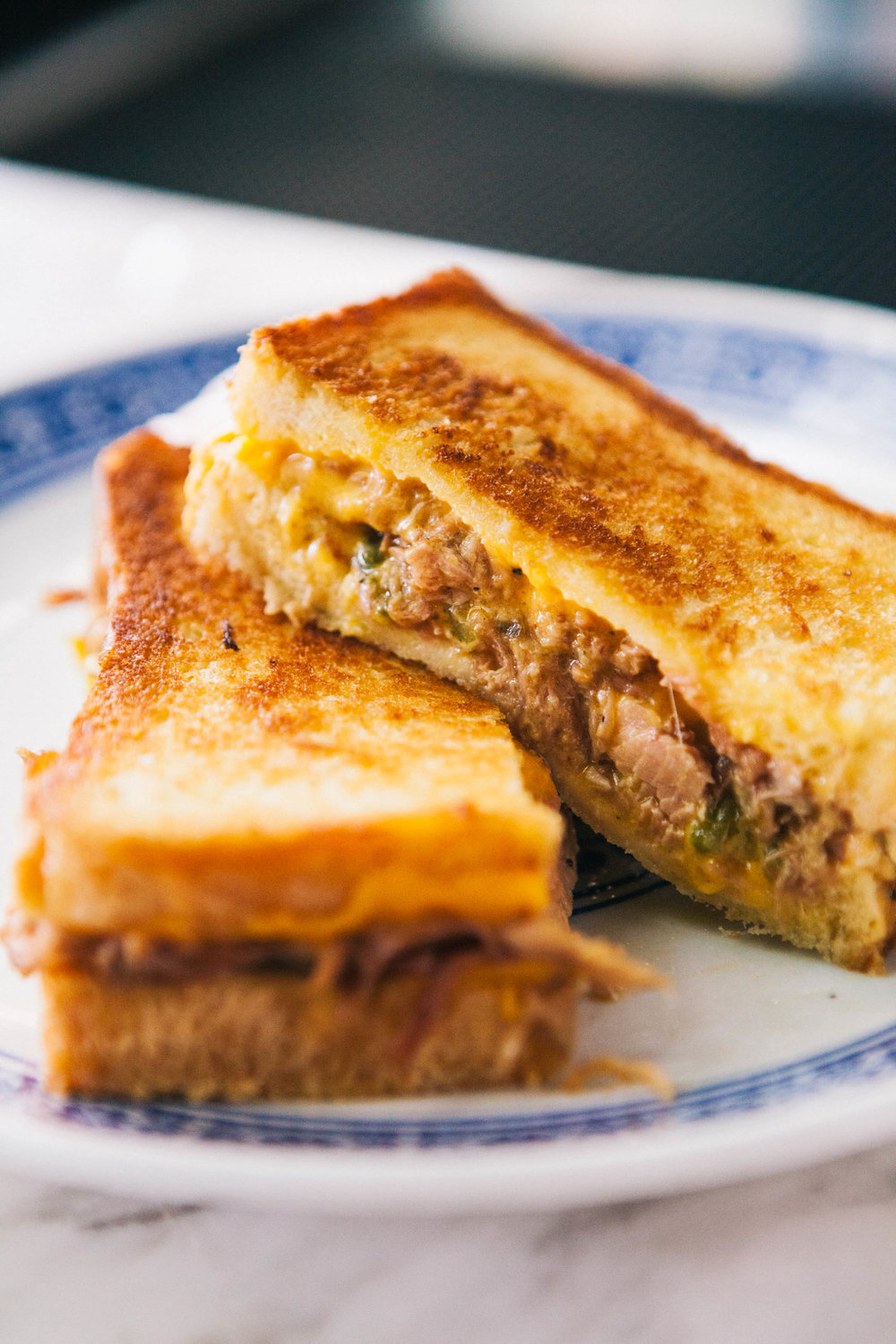 GRILLED CHEESE DE CARNITAS