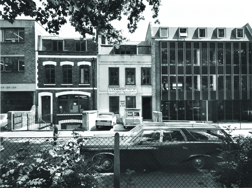 Frontages of 31-34 Hoxton Square, 1973. London Metropolitan Archives.