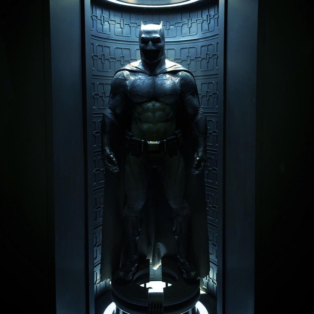 ISMAEL_S_batman-v-superman-dawn-of-justice-batsuit-hd.jpg