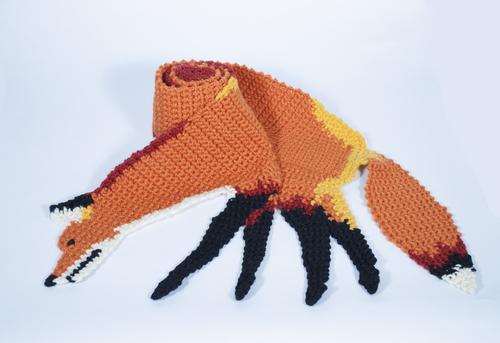 http://static1.squarespace.com/static/5410a9dee4b06b163549c603/t/5472759be4b08d2565e10c43/1416787355585/fox+scarf+small.jpg?format=500w