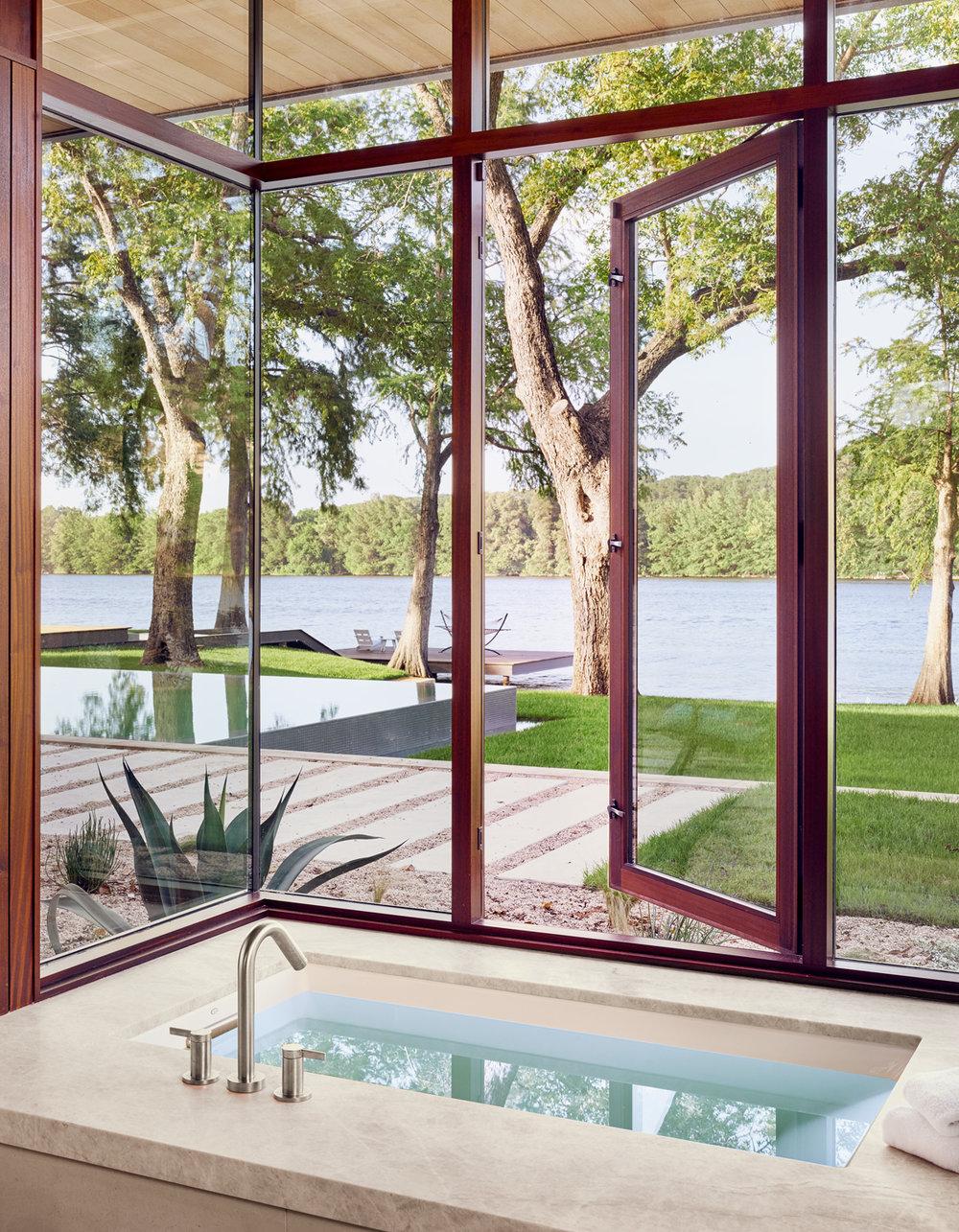 Lake-Austin_Tub.jpg