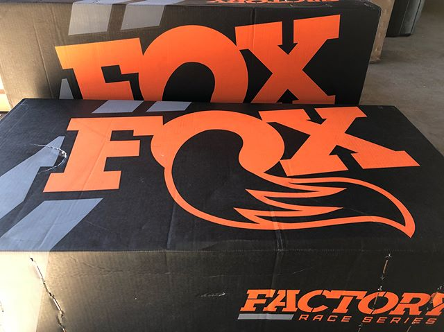 Can't wait to get these bad boys installed. @ridefox Factory Race Series 3.0 shocks & struts • • • #hitchesplease #atxtrucks #austin #ridefox #ford #raptor #foxshocks #gen2raptor #raptorsdaily #fordraptor #texas #yaaas #sweetjumps