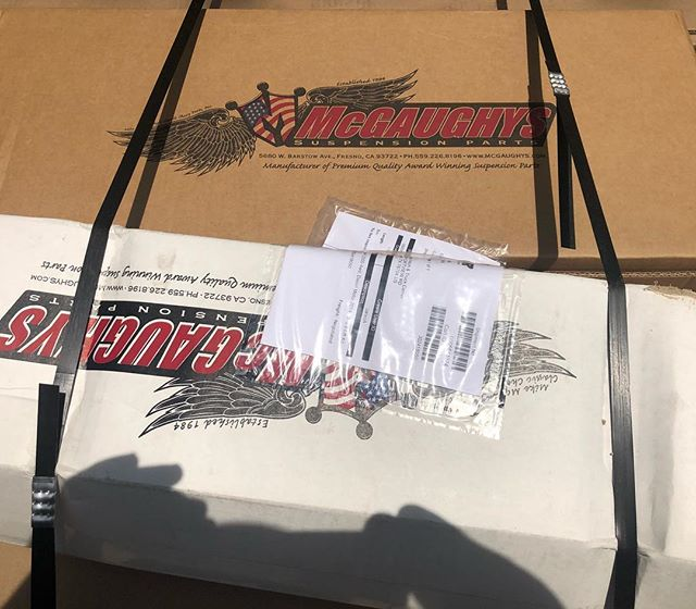 Oh, did I mention we are now a dealer for @mcgaughys suspension? Can't wait to install this kit and see this truck completed! •••••••••••••••••••••••••••• #thtbuilt #notjusthitches #offroad #truckaccessories #performance #mcgaughys #truckparts #atxtrucks #suspension #liftkits #austin #atxtrucks #lifted #liftedtrucks