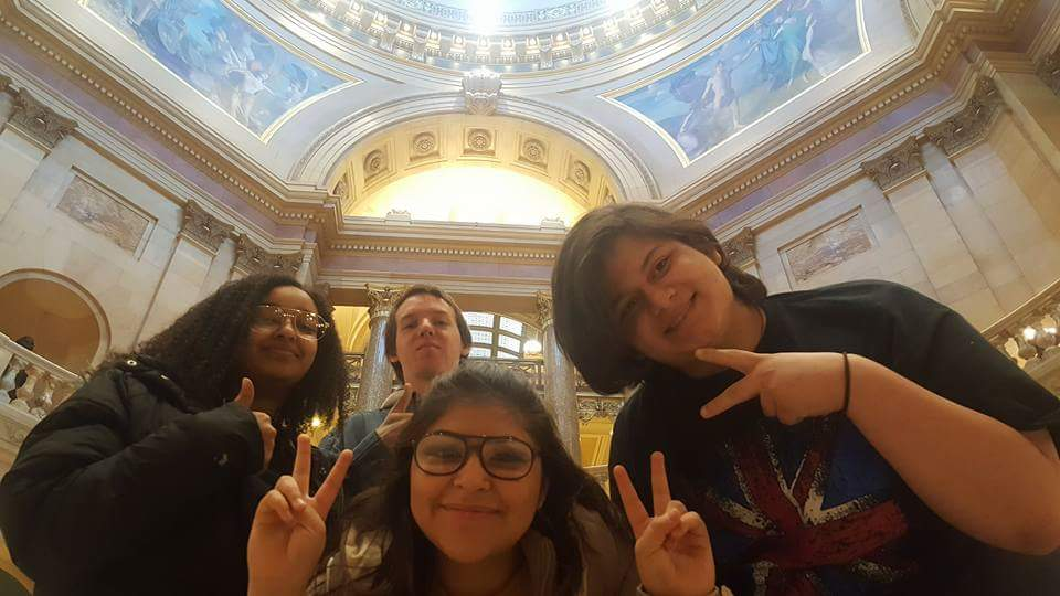 REA students for climate change at MN capital.jpg