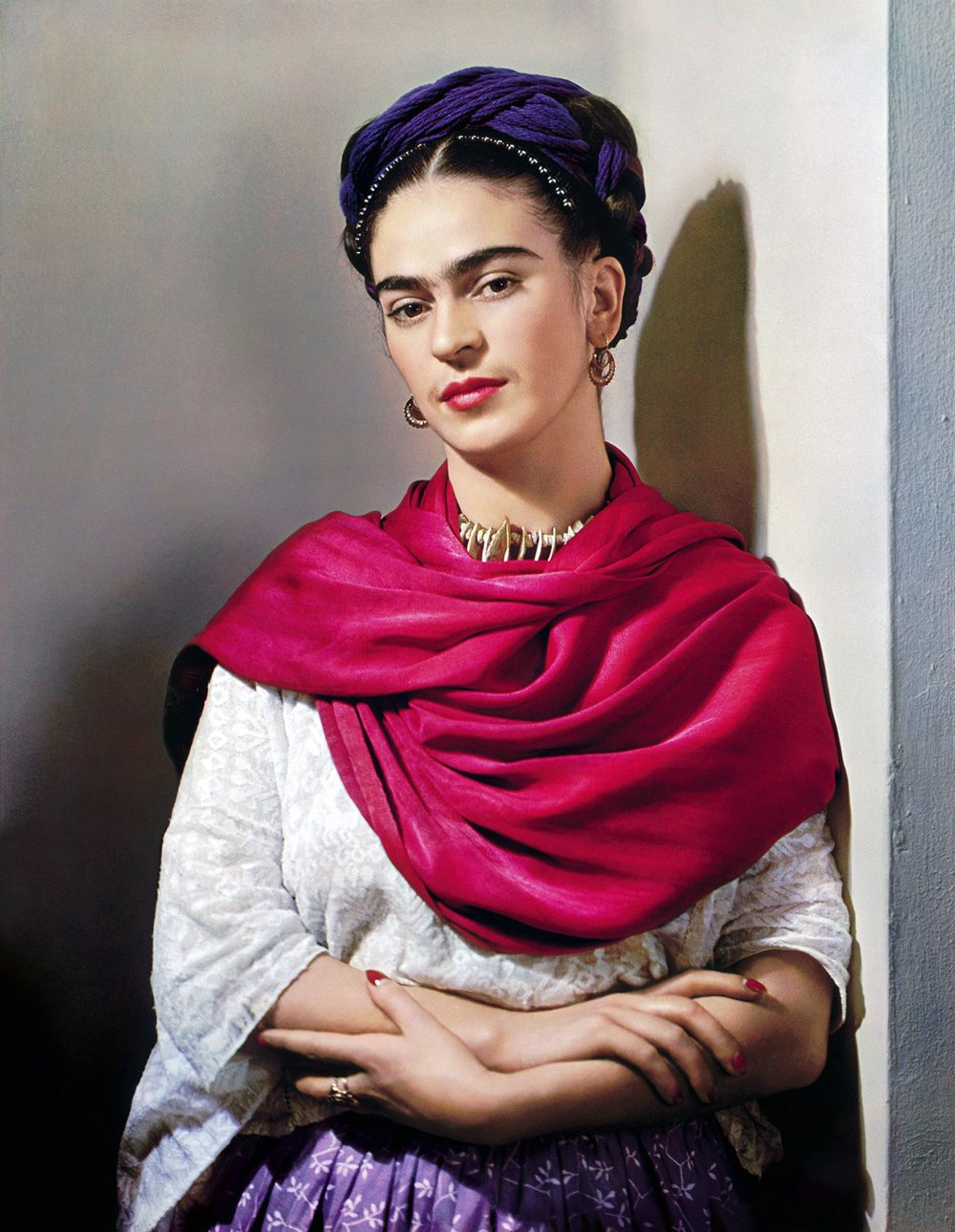 Frida Kahlo - The free charts are to cross stitch this image with 30 colors