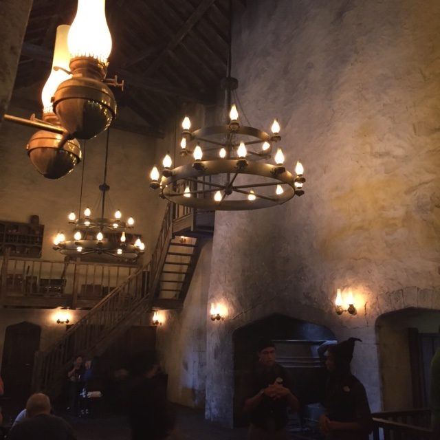 leaky cauldron.jpg