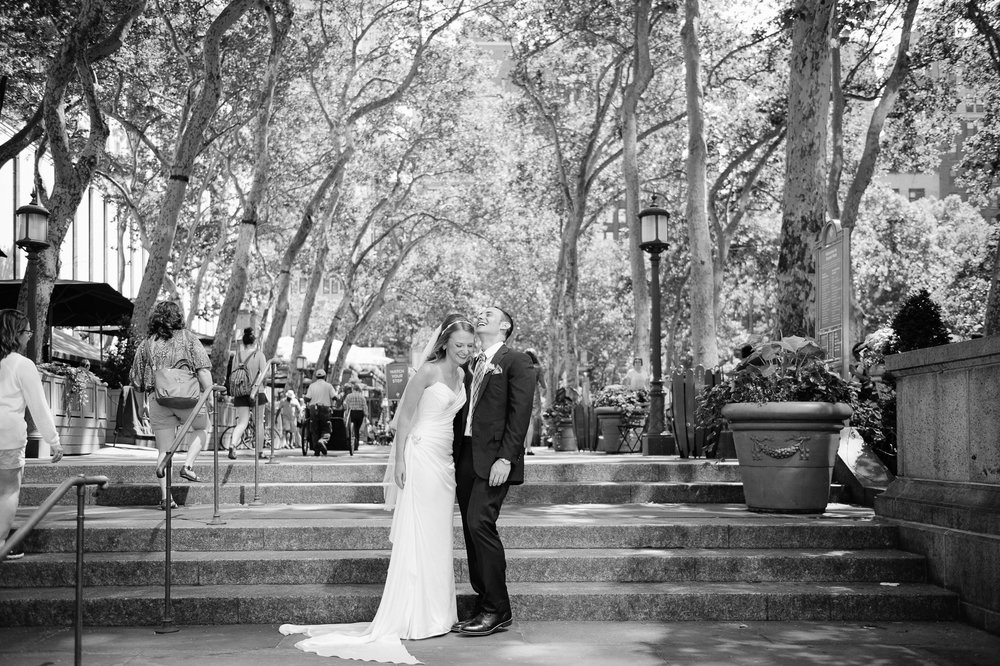 Sandy_SooHoo_Bryant_Park_Portraits_NYC_Wedding_2
