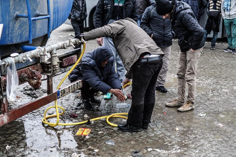 Syrian Refugee Crisis Serbia November 2015 10.jpg