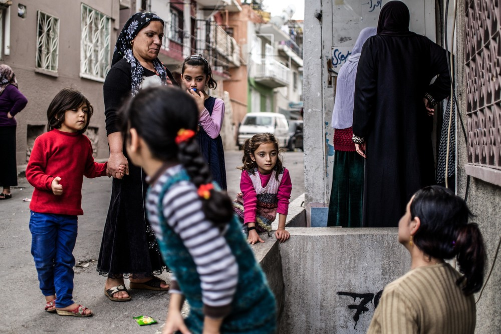 Syrian Refugee Crisis Izmir November 2015 12.jpg