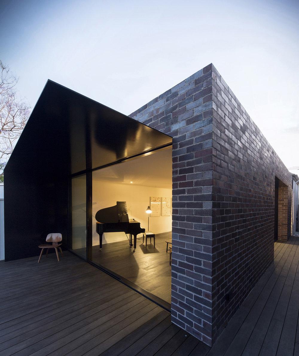 studioplusthree Llewellyn House 000001_smb.jpg