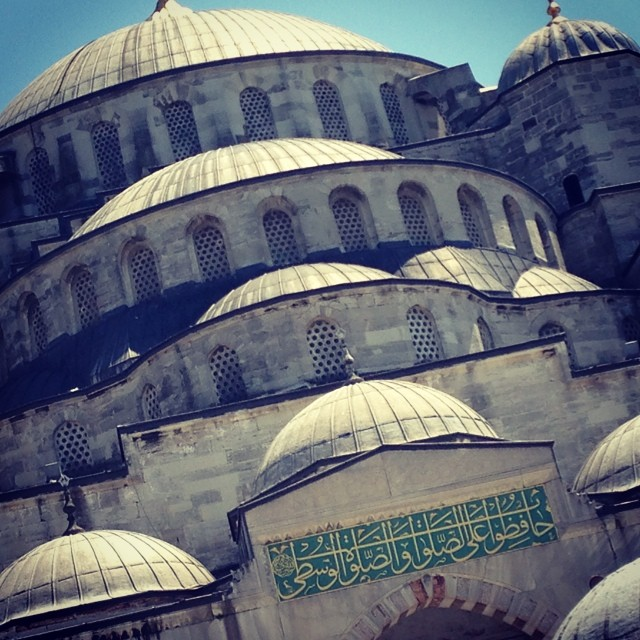SultanAhmet (blues mosquee) #istanbul #comeseeturkey #turkey I live this place!! #unreal #beautiful (at Sultanahmet-Ayasofya)