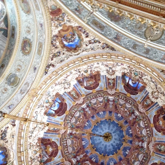 Dolmabahce Palace, the ceremony room ceiling #impressive #beautiful with Italian and French paintings #istanbul #turkey #comeseeturkey #love  (at Dolmabahceyi Sarayi)