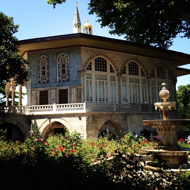 Wishing this was my house #tbt #istanbul #inlove #turkey #dolmabahcepalace #dolmabahce #palace