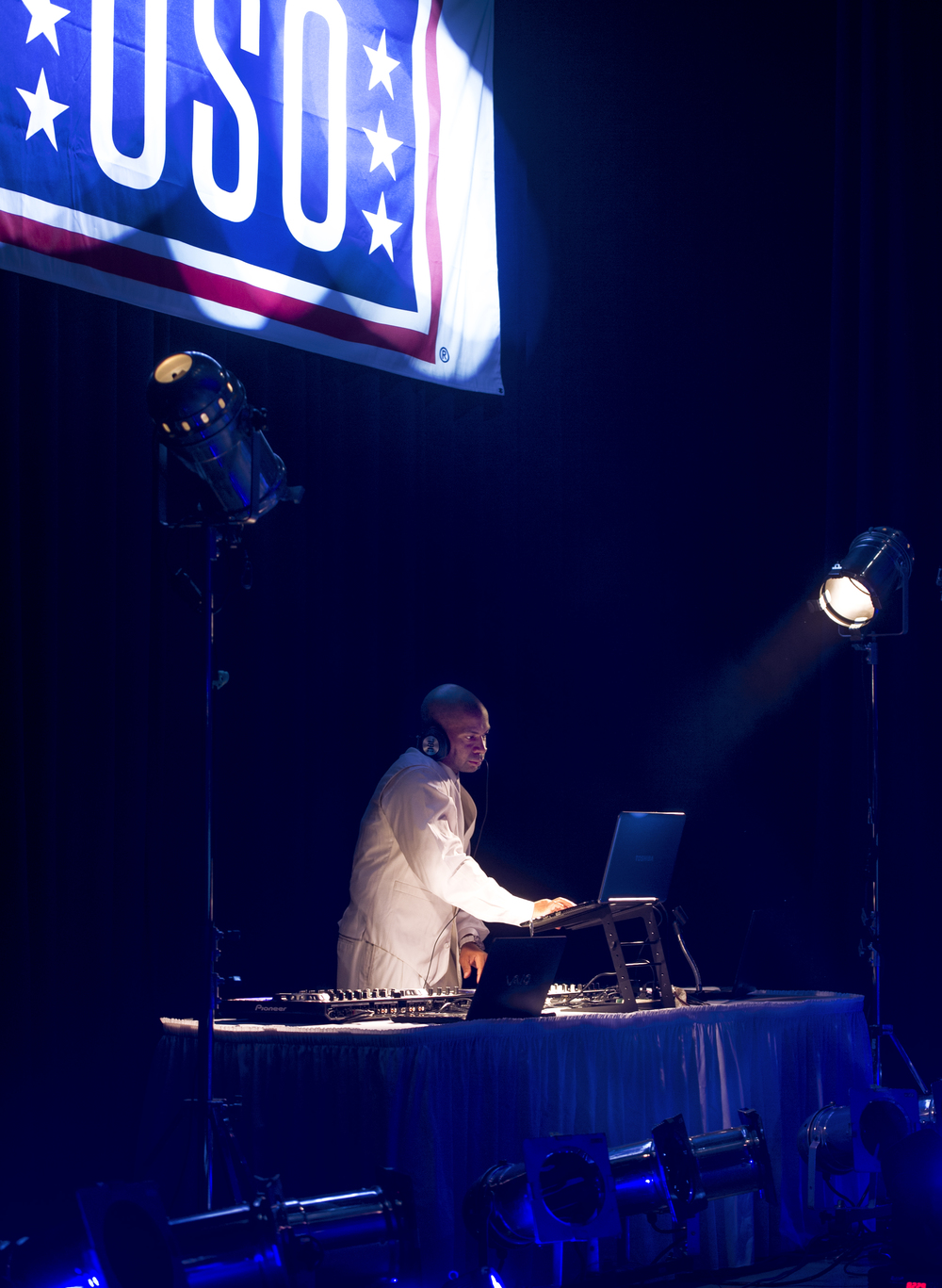 A performer with the United Service Organizations Empire tour plays music at Yokota Air Base, Japan, Dec. 15, 2015. In their visit to Yokota, the group participated in meet and greets, spoke with Yokota High School youth and hosted and performed a family-friendly White Party. (U.S. Air Force photo by Airman 1st Class Delano Scott/Released)
