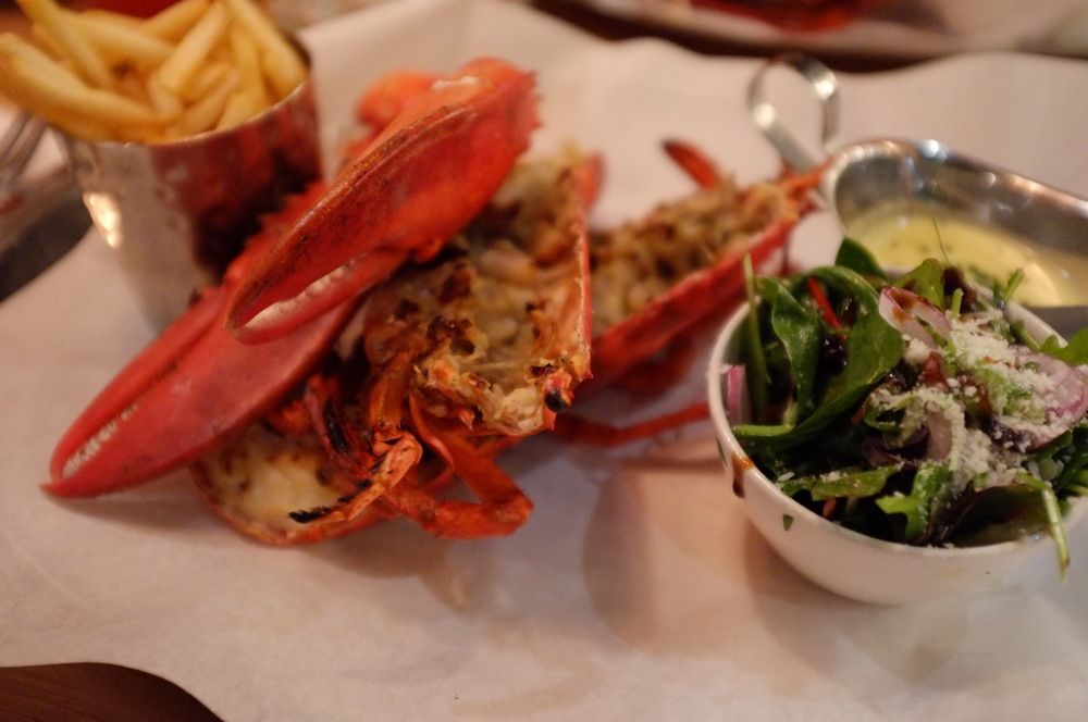 Burger & Lobster - 07.jpg