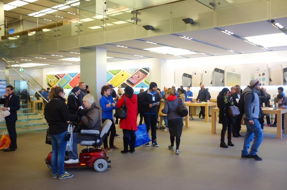 Apple Store - 4.jpg