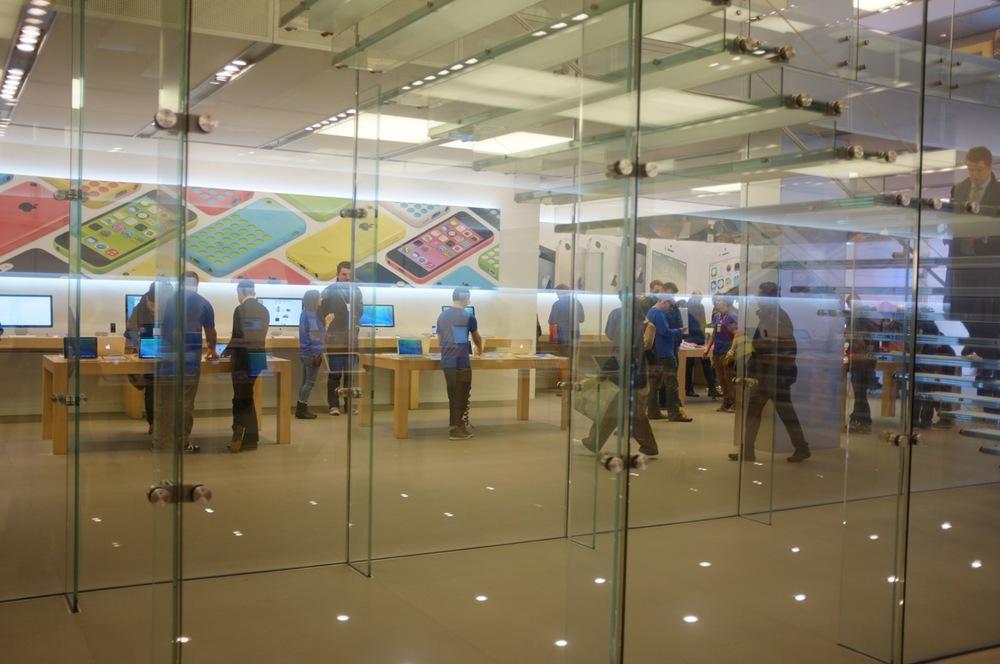 Apple Store - 6.jpg