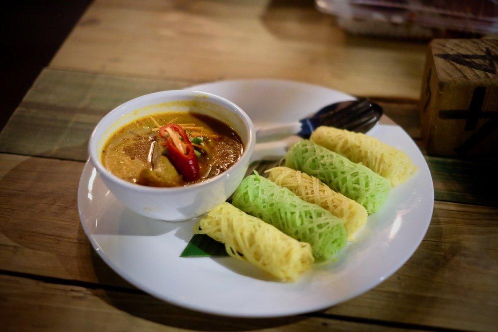 Roti Jala & Kari Ayam - RM8.00