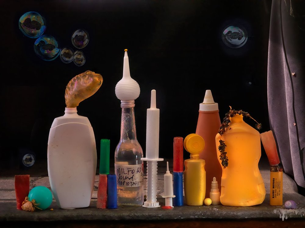 Plastic Syringes and Bottles with Bubbles, Ripiro 2013