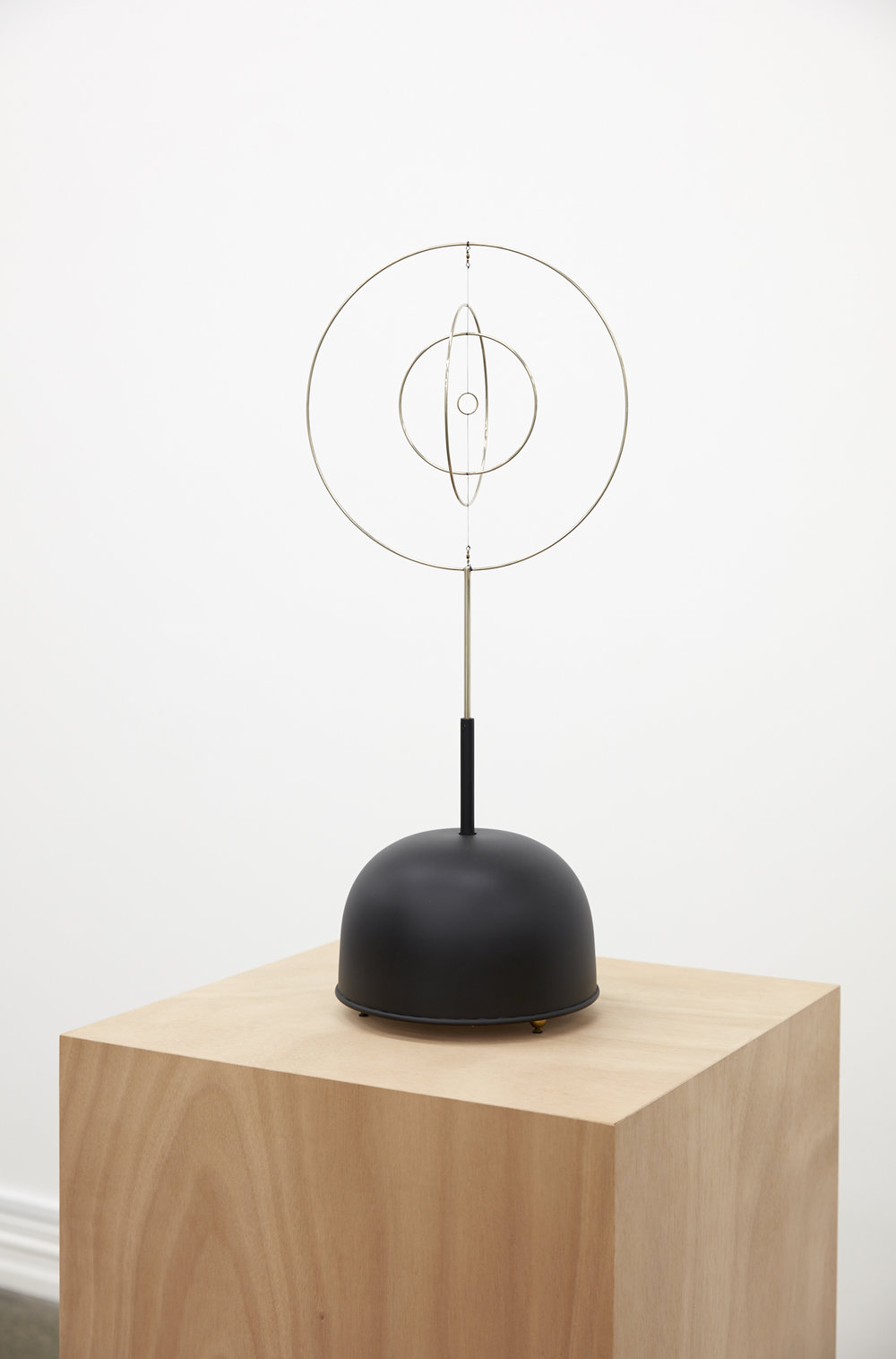 Len Lye,  Roundhead,  1961 (authorized reconstruction), steel, nylon, gold plated copper with motor and altered music box, 675 x 255 mm disameter.