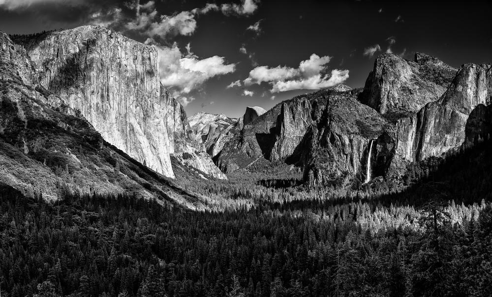 Valley View Monochrome