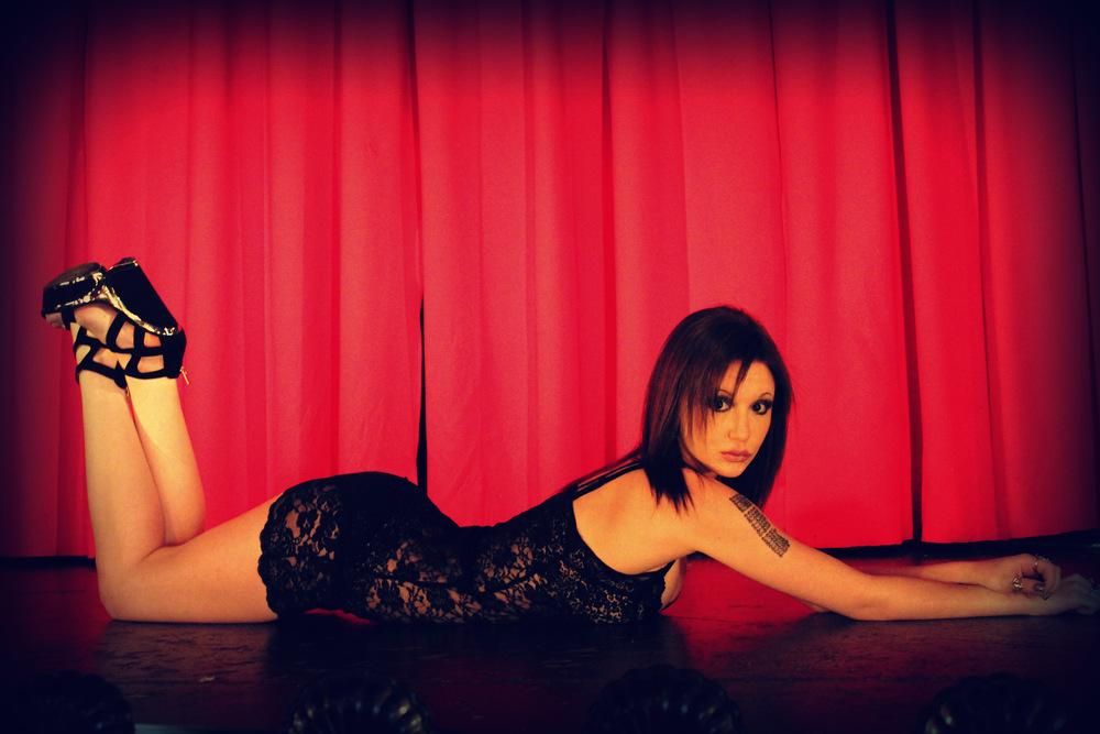 Stage Kitten, Chanteusse&Burlesque Performer